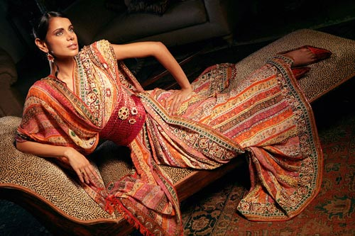 Love the saree draping style along with a lovely waist band…