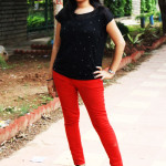 red-jeans-with-black-top