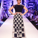 Manish-malhotra-collection-at-Lakme-fashion-week-spring-summer