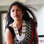 how-to-style-a-saree-with-statement-necklace