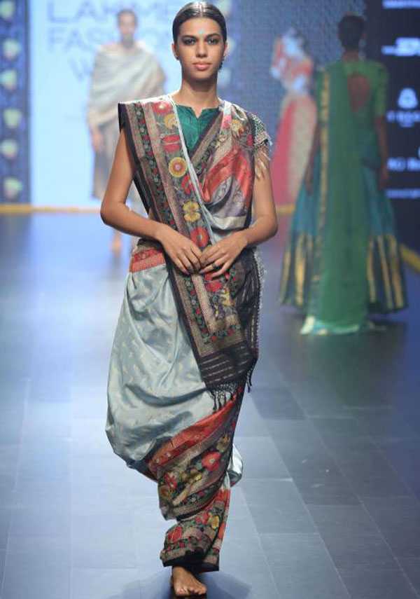 21-smart-ways-to-style-your-saree