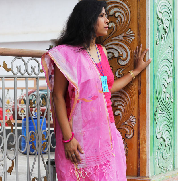 saree-with-top-fusion-styling-by-indian-fashion-blogger
