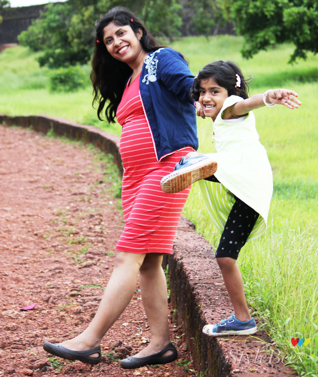 maternity-photo-shoot-with-my-kid-in-goa
