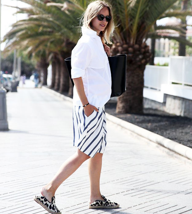 casual-pregnancy-look-in-shorts-and-shirt-15