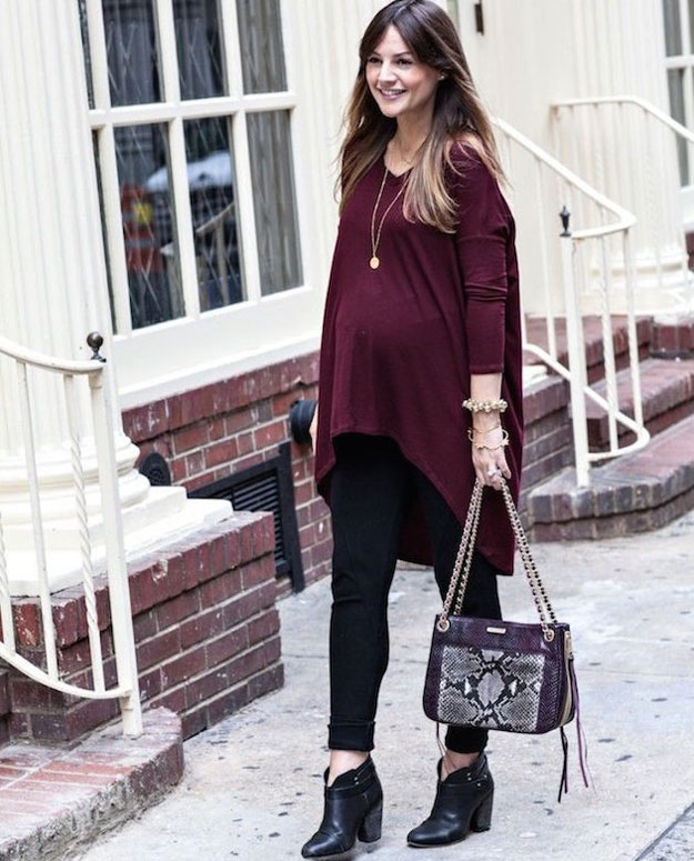 long-uneven-hem-sweater-t-shirt-with-tights-as-pregnancy-dress